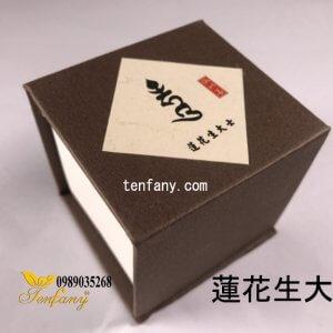 Trầm hương không chất kết dính (蓮花生大士)