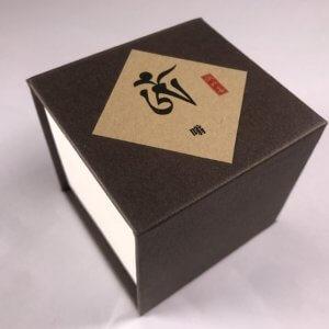 Trầm hương không chất kết dính (三字明-嗡)